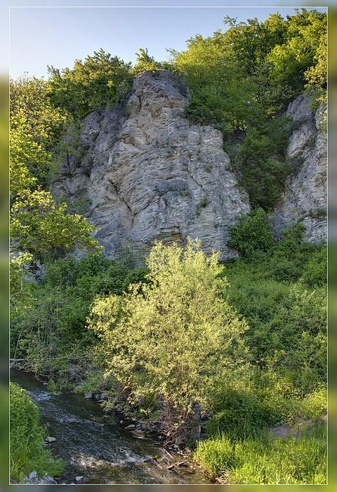 http://www.foto-dfg.de/images/WZ/2012/Eifel2/20120526%204956-58%20an%20der%20Nohner%20Muehle_s.jpg